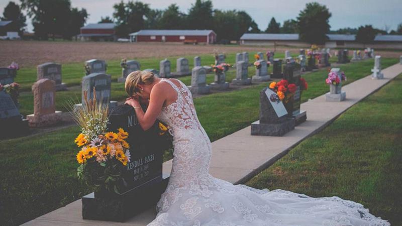Straciła narzeczonego tuż przed ślubem. Jej sesja ślubna kruszy serca na pył