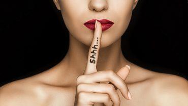 7 rzeczy, które NALEŻY UKRYWAĆ przed znajomymi! O tym absolutnie nie mów