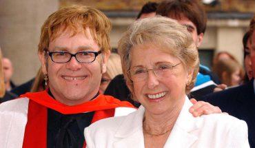 Elton John był zachwycony, że jego dzieci nigdy nie poznały babci. Mocne słowa piosenkarza dają do myślenia