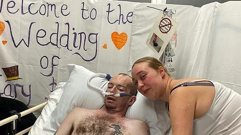 """""""Chcę umrzeć jako żonaty mężczyzna"""" - zdradził chory. Odszedł 7 godzin po tym, jak usłyszał upragnione TAK"""
