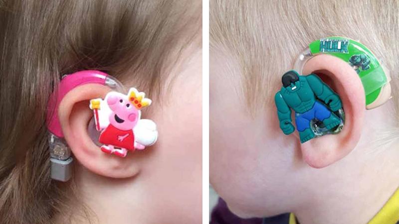 Jej synek, Freddy nie chciał nosić aparatu słuchowego. Mama wpadła na genialny, by go do niego przekonać