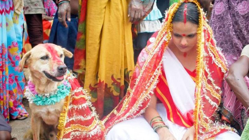 Ta 18-letnia dziewczyna została wydana za psa! Ten ślub wywołał oburzenie na całym świecie