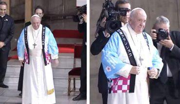 Dziwny płaszcz papieża Franciszka wywołał zamieszanie w sieci! Czy papież zmienia styl?