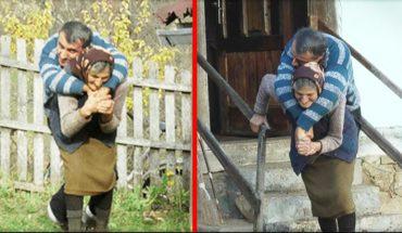 77-letnia matka nosi na plecach sparaliżowanego syna. Robi to od 59 lat. Oto niekończąca się matczyna miłość!